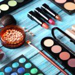 Pelle acneica? Attenzione alla scelta dei cosmetici
