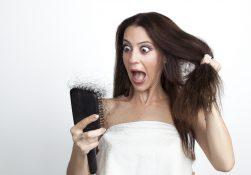 Caduta dei capelli in autunno: le cause